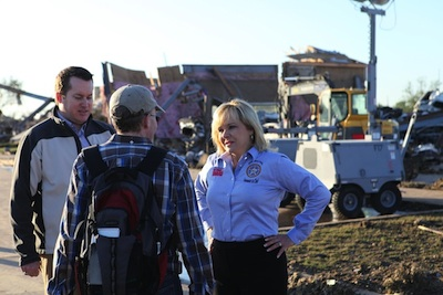 Governor Mary Fallin survey destruction in the tornado aftermath