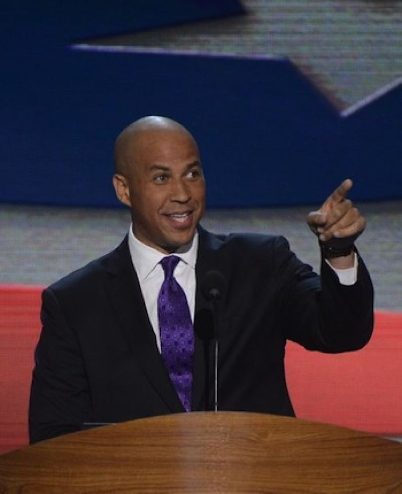 Cory Booker made more than 1 million from speeches in four years